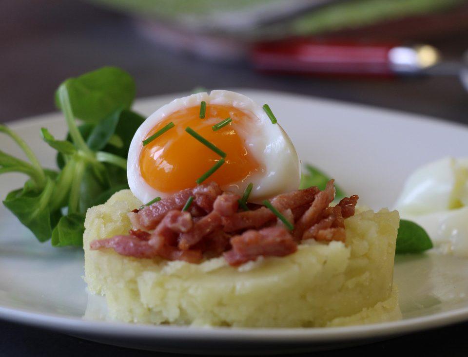 écrasé-de-pommes-de-terre,-oeuf-mollet-et-lardons-grillés-Atelier-culinaire-n°5